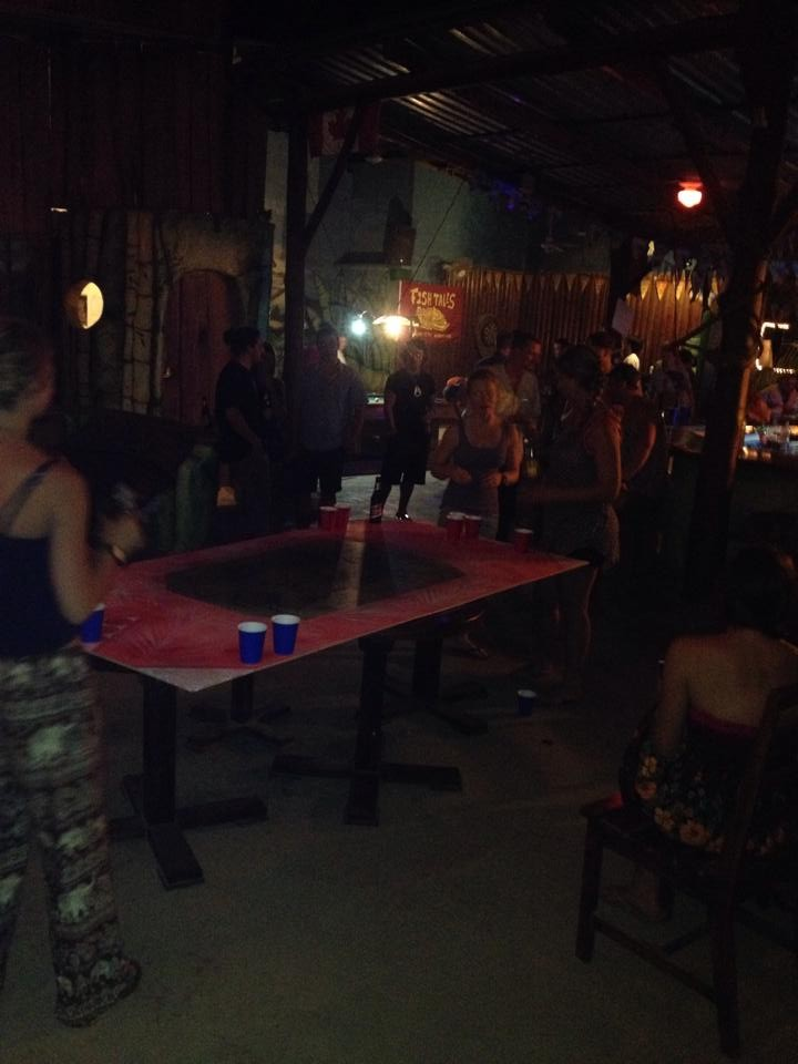 Rum Bar Dominical Beer pong, live music and good vibes.