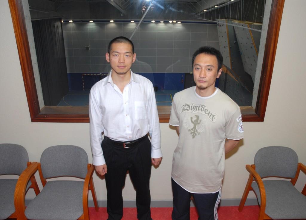 YAMAGUCHI sensei (6e dan, à g.) et KATO seinsei (4e dan), élèves de KAGAWA seinsei.