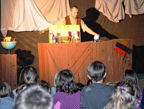 "Theater ""Blinklichter"" im Kindergarten"
