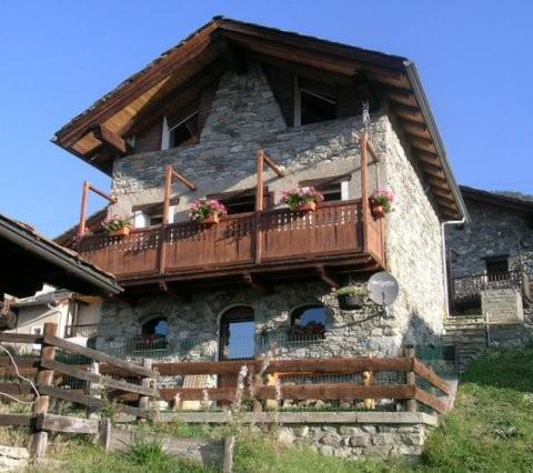 Villaggio tipico montagna affitto baita nus valle d 39 aosta for Arredo bagno valle d aosta