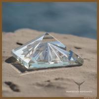 Pyramide für Lichtvolle Manifestationen