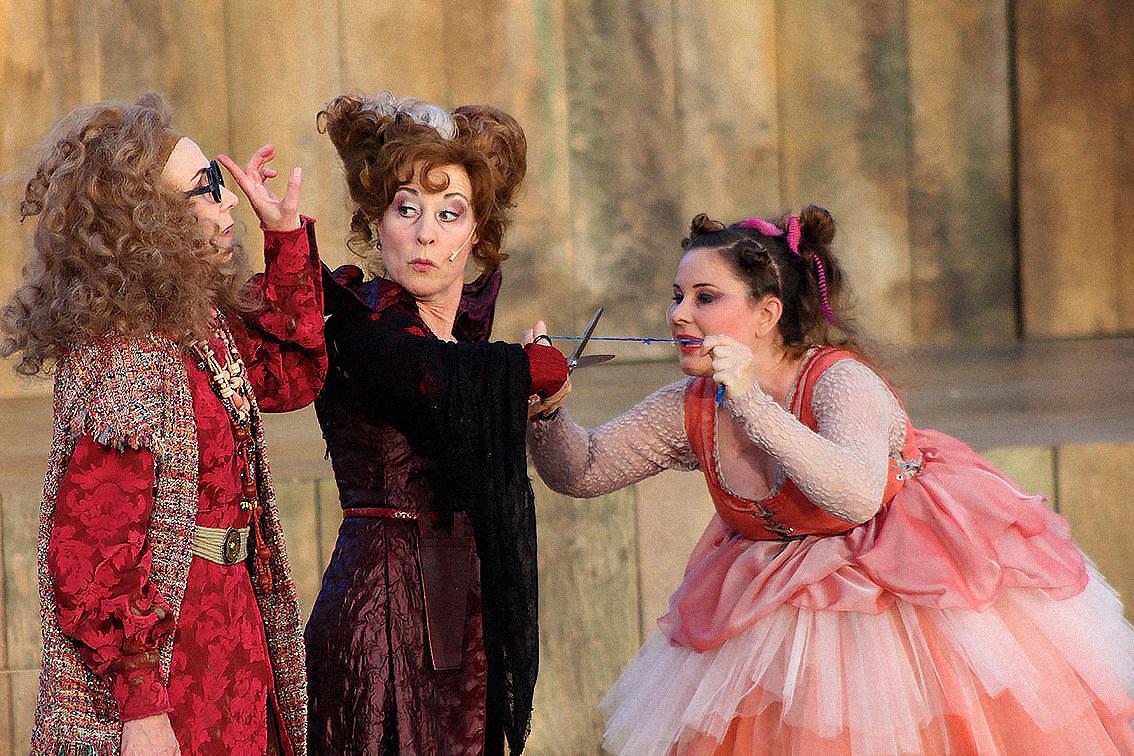 Der Teufel mit den drei goldenen Haaren -  Nadine Buchet, Barbara Bach, Katja Straub