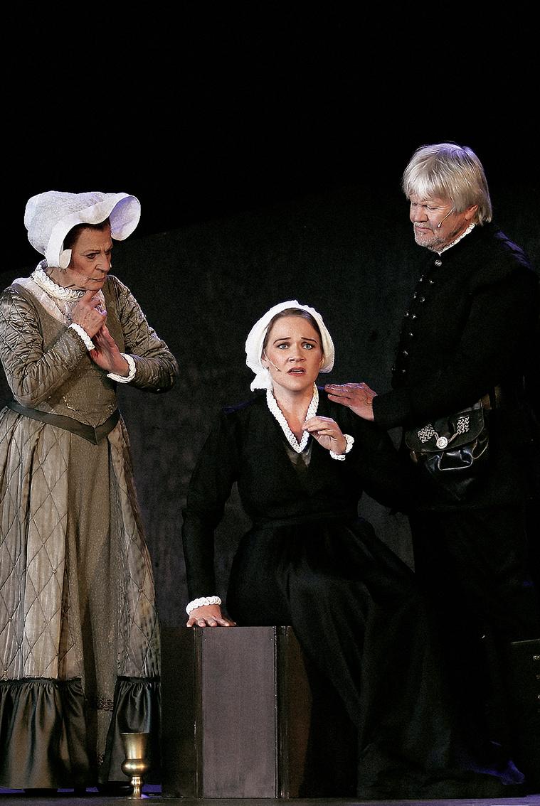 Maria Stuart - Gisela Kraft, Carolin Sophie Göbel, Helmut Potthoff
