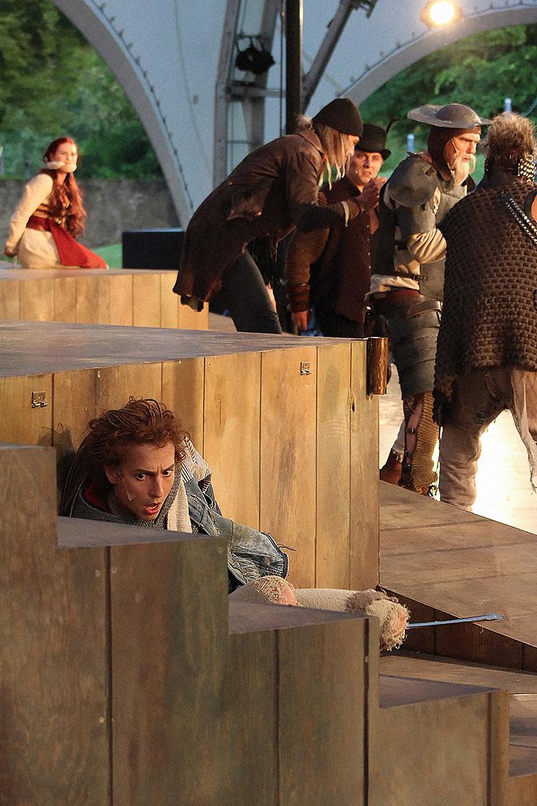 Der Teufel mit den drei goldenen Haaren - Marius Schneider und Ensemble