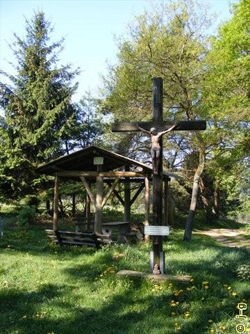 Kruzifix am Wanderweg zum Bernhardskreuz