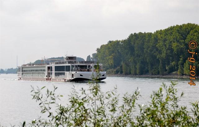Rhein-Kreuzfahrtschiff