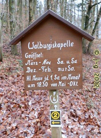 Hinweisschild am Fuße des Kapellenberges
