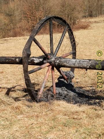 Fasselrad - nachdem es gesprengt wurde (abgebrannt)