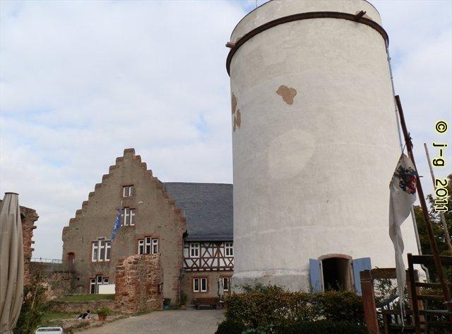"""Weiße Rübe"" - Turm der Veste Otzberg"