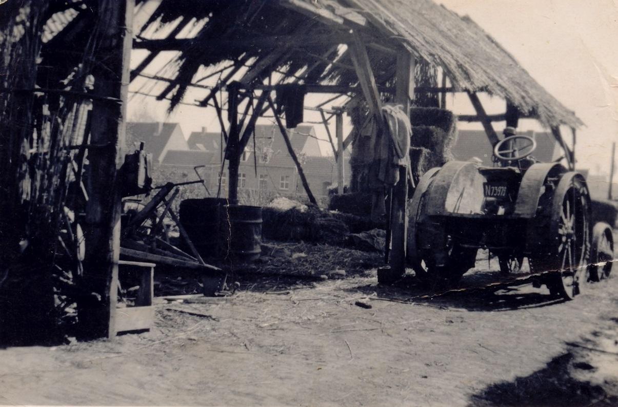 Noodschuur na de brand 1944