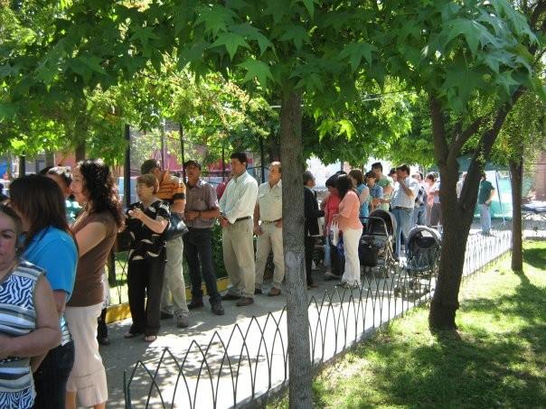 Largas filas soportaron los mirandinos el día de votación