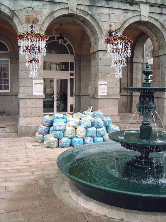 2005 collecte de bouchons à Domfront