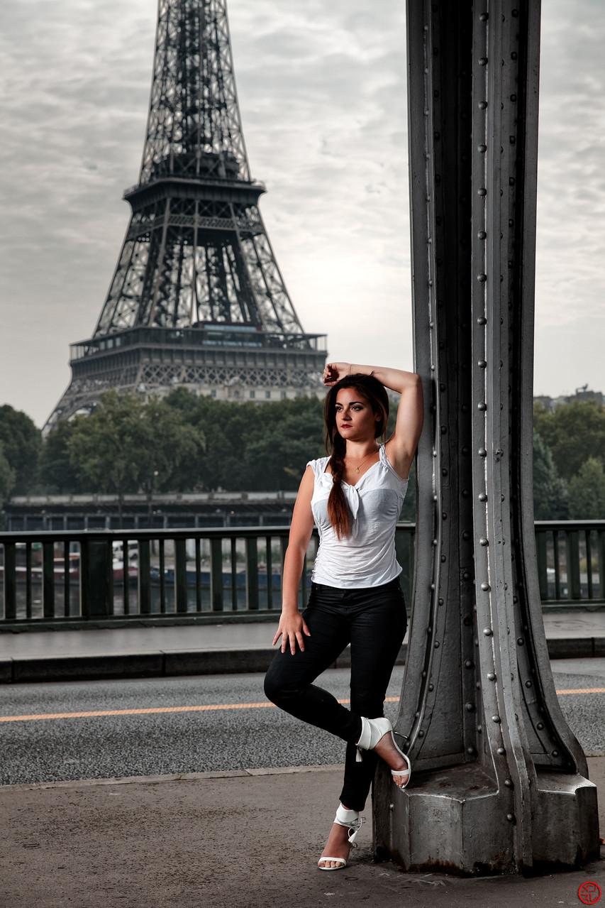 Solène, Pont de Bir Hakeim, Paris, 2014