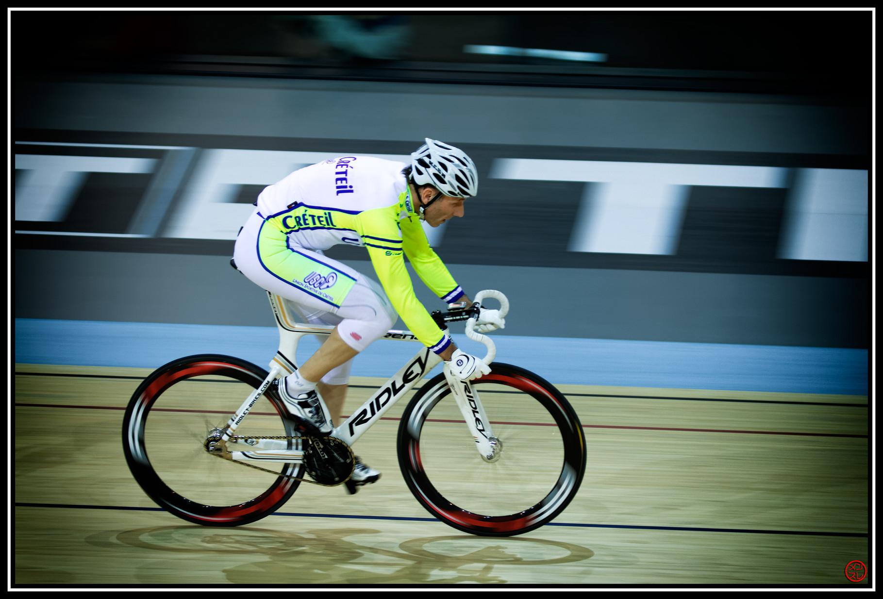 Cyclisme de vitesse. Vélodrome National de Saint-Quentin-en-Yvelines, France. Février 2014.