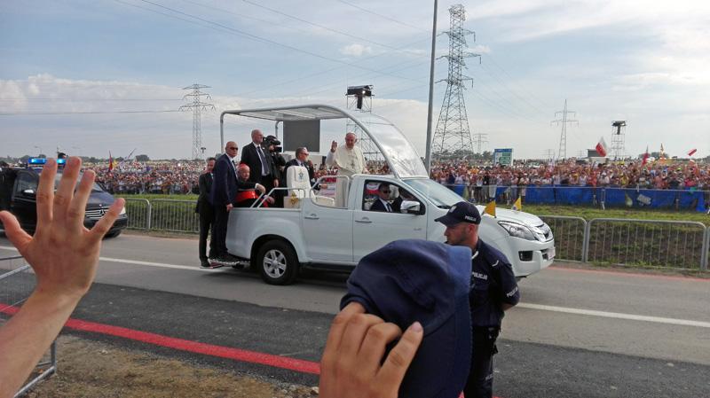 Vielleicht dieses Mal etwas näher am Papst, als zur Abschlussmesse beim Weltjugendtag in Krakau am 31.07.2016?