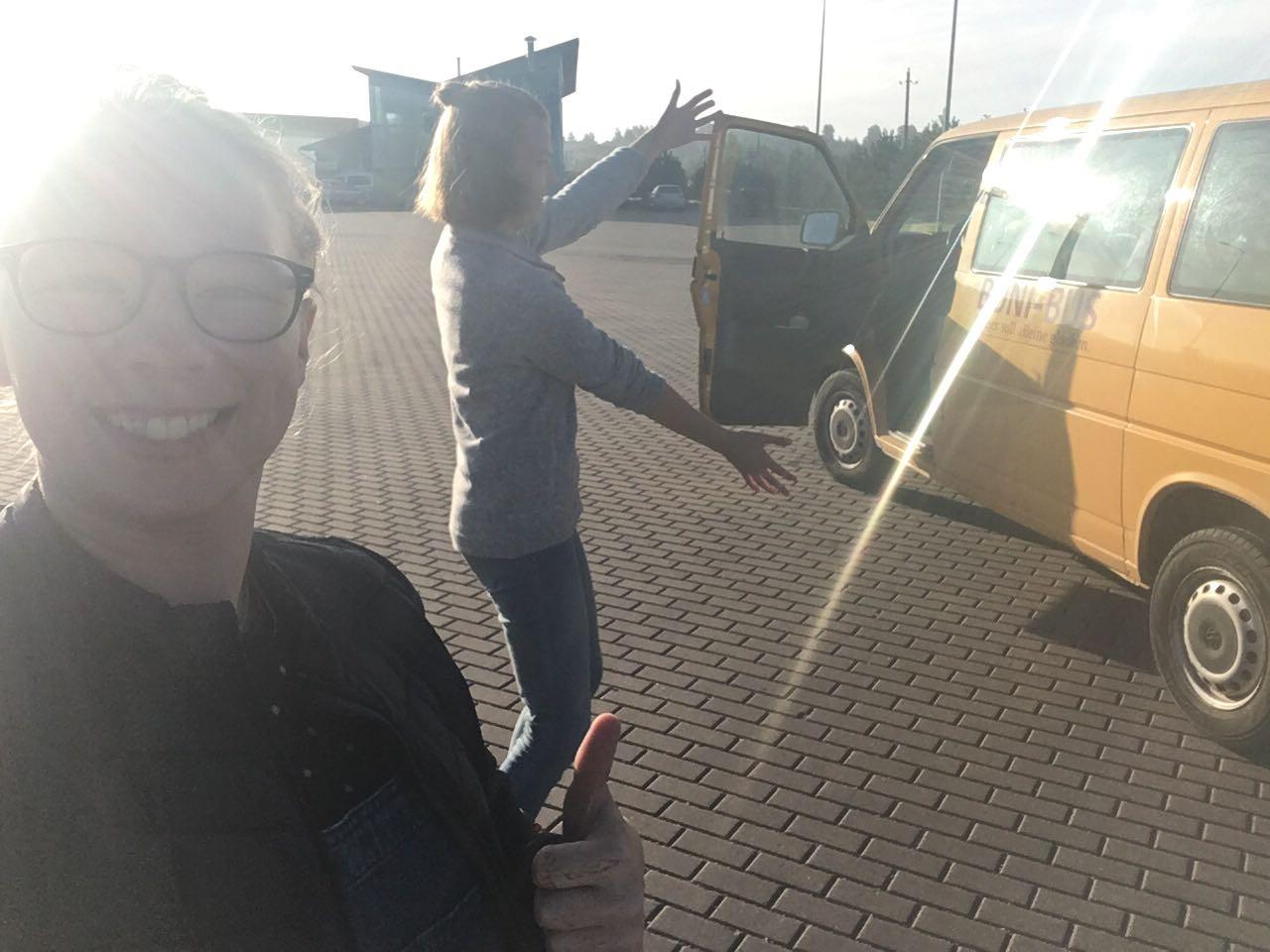 Mit dem Bonibus ging es für Greta und Josephine nach Vilnius