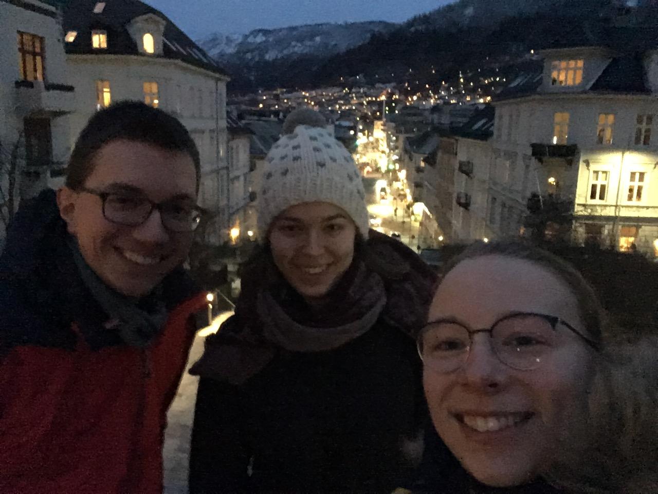 Martin Schäfer, Greta Hartmann und Josephine Metasch in Bergen/Norwegen