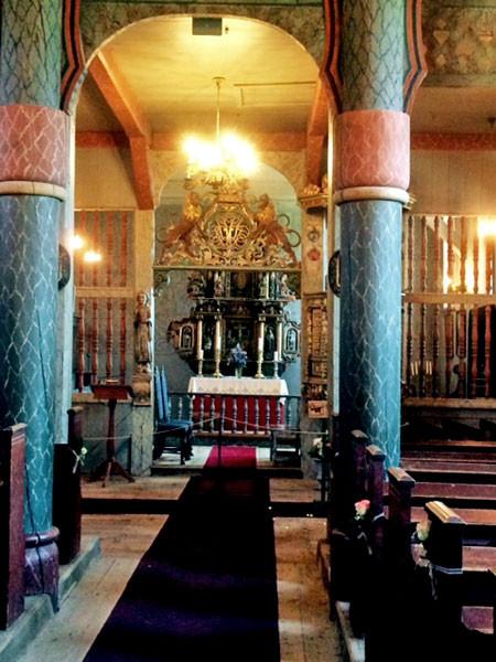 Der Innenraum der Ringebu-Kirche.