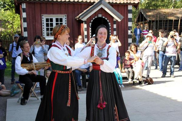 Norwegische Trachten beim Nationalfeiertag am 17.Mai