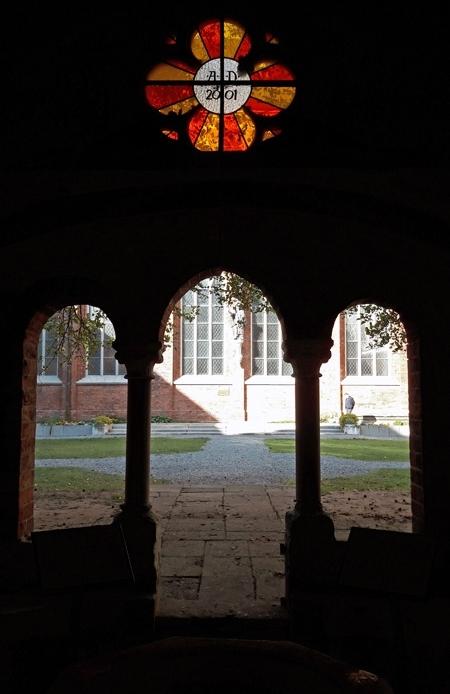 Der Kreuzgang neben dem Dom.