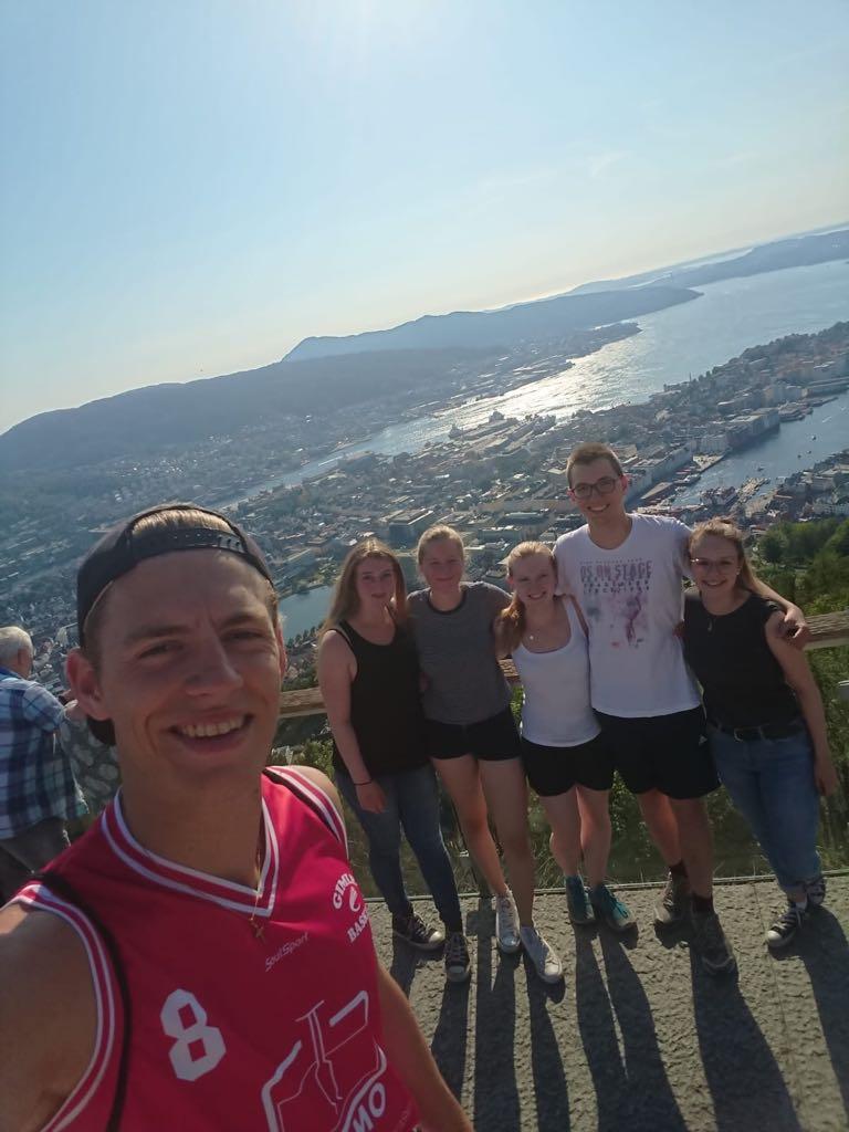 Mit Tobias, Charlotte, Tabea, Martin und Irina in Bergen