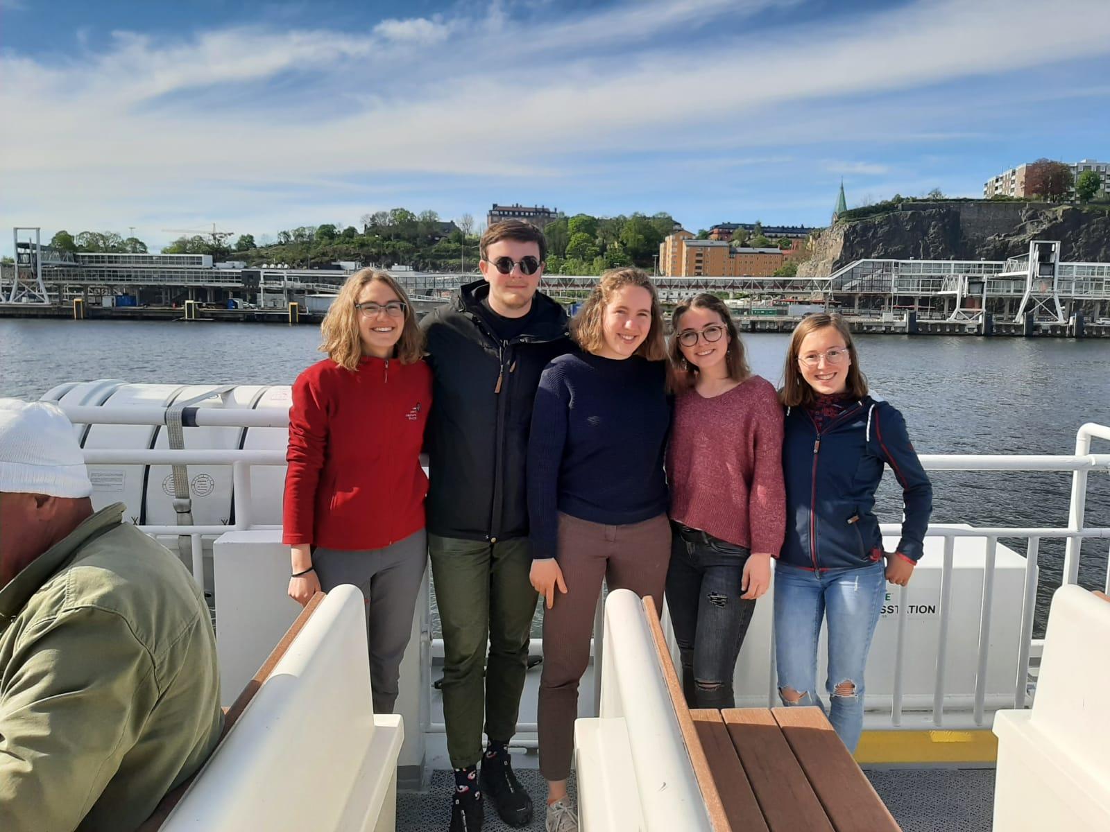 Sonja, Konrad, Ricarda, Clarita und Hannah auf dem Weg in die Stockholmer Schären