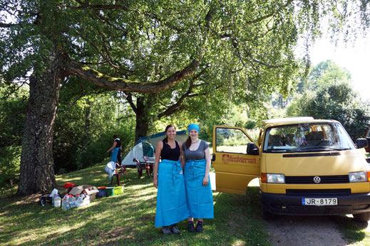 Catharina Vonnahme und Laura Schleimer bei der Wallfahrt nach Aglona