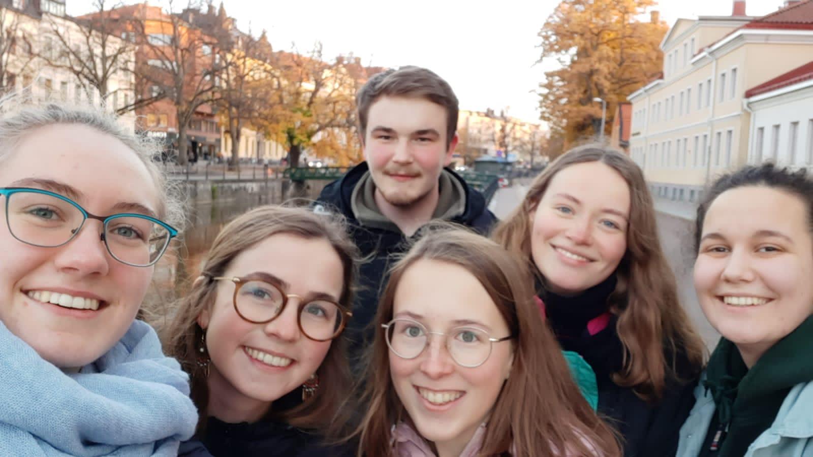 Spaziergang durch Uppsala (v.l.: Sonja, Clarita, Konrad, Hannah, Klara, Johanna)