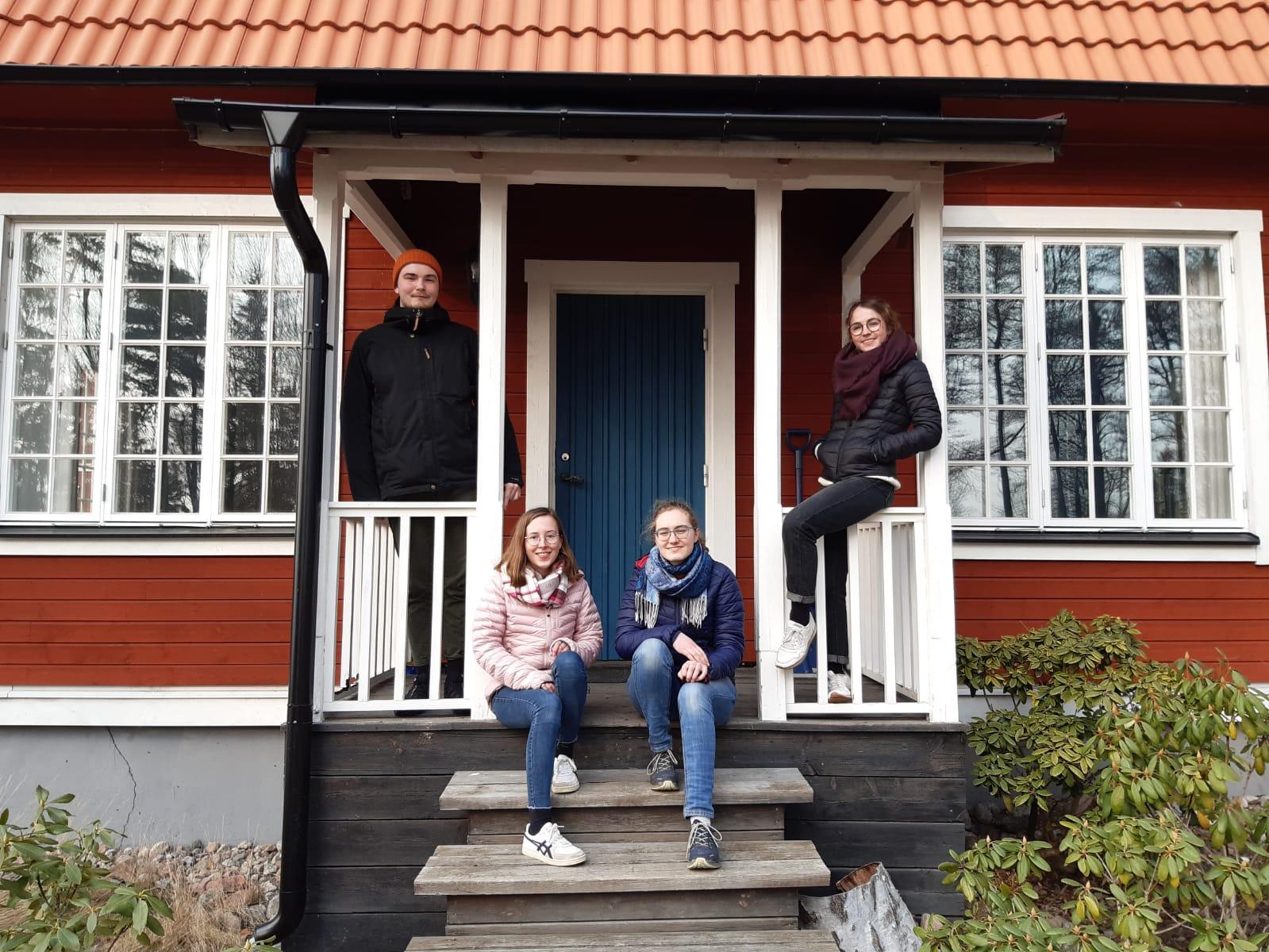 Konrad, Hannah, Sonja und Clarita vor Marieudd