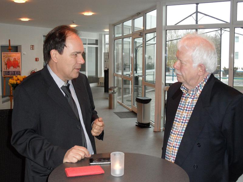 Helmut Lenk im Gespräch mit dem stellv. Vorsitzenden des BdSt. NRW Herrn Dipl. Volkswirt Eberhard Kanski