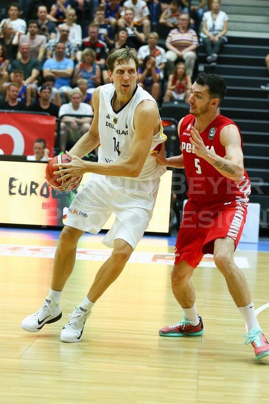 Dirk Nowitzki, Aaron Cel