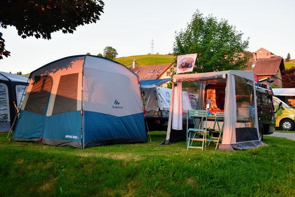 """Die """"Drüradbrüedere"""" auf dem Camping Bächli, in Bächli-Hemberg"""