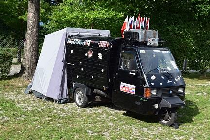 Zelt für Ape-Reisemobil, wer mit einer Ape auf Reisen geht braucht ein Zelt.