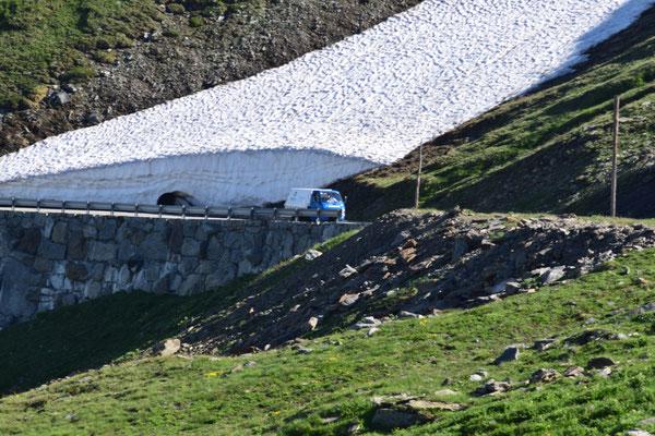 Die Drüradbrüedere sind unterwegs am Nufenenpass