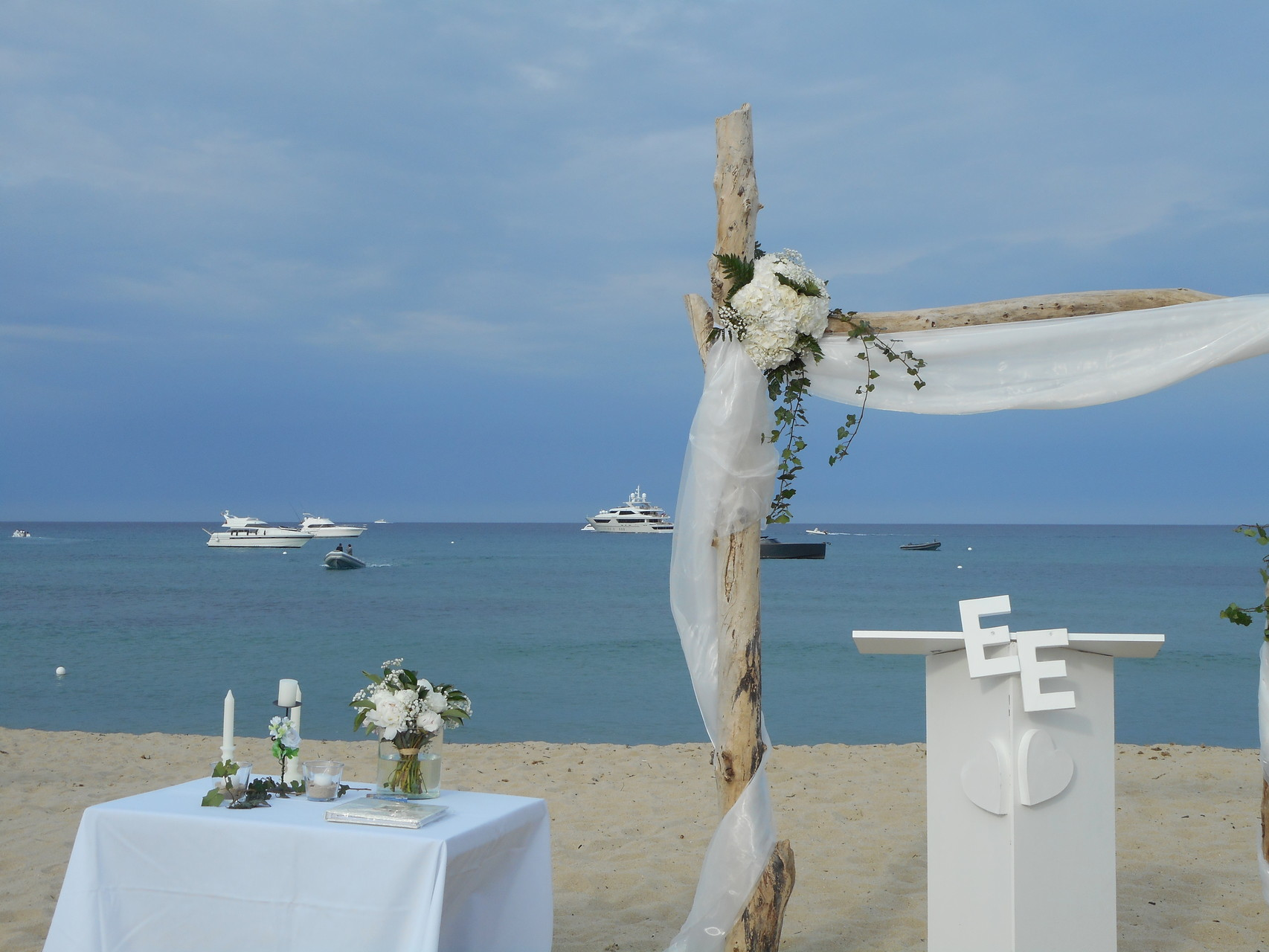 cérémonie laique Saint Tropez Aqua Plage