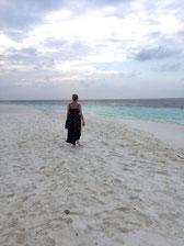 wunderwelt-malediven-fihalhoi-beach
