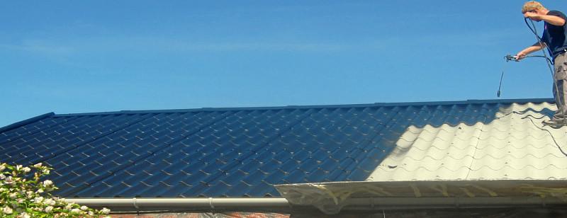 Beschichtung eines vorher professionell gereinigten Daches