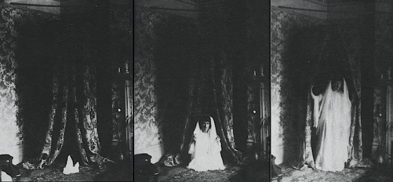 Phasen einer Manifestation vor einem spiritistischen Kabinett. #Kabinett #Spiritismus #Medium #paranormal