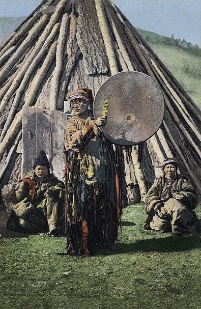 SB_-_Altay_shaman_with_drum #mediumismus #spiritismus