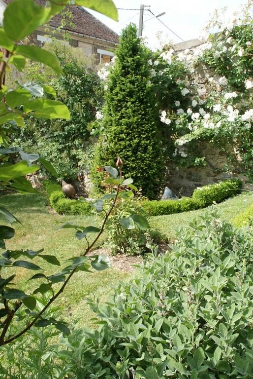Jardin de la fable                         Le buis représente le Seigneur