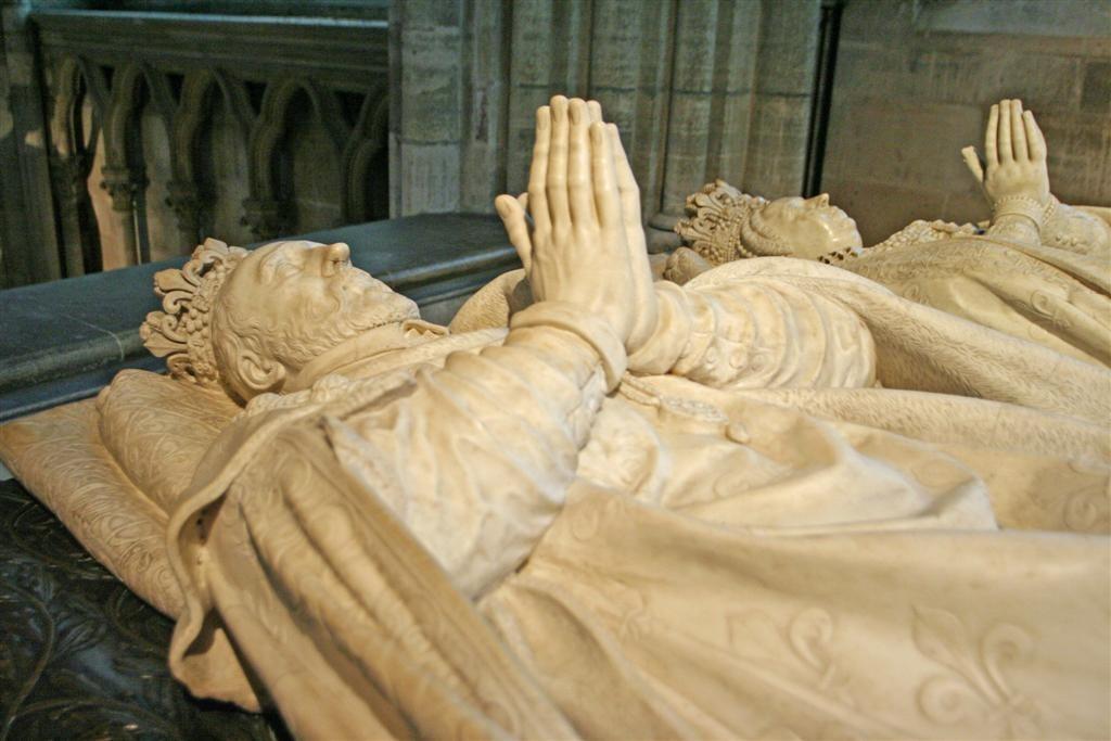 Gisants de Henri II et de Catherine de Médicis