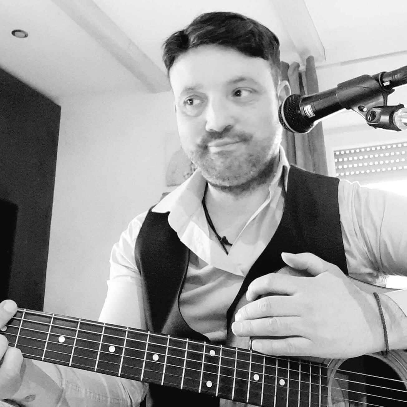 Eddi Mautone - Dein Gitarrenlehrer