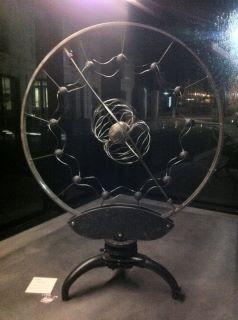 Générateur de doute    cercle roue charette   H  2 m