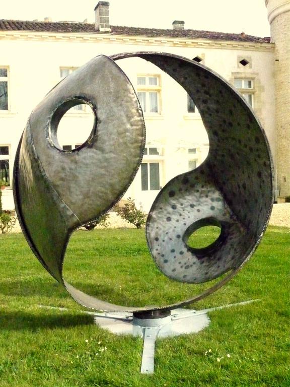 Yin yang                      Tôle acier formée            diam 160 cm       2011