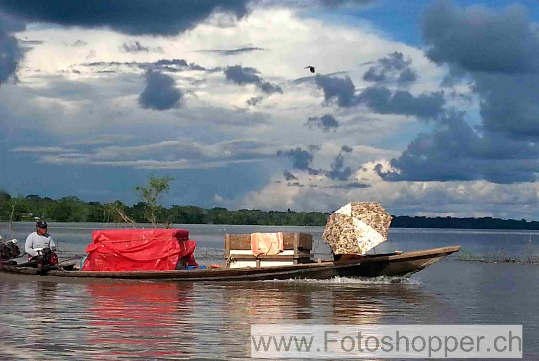 Gütertransport auf dem Amazonas