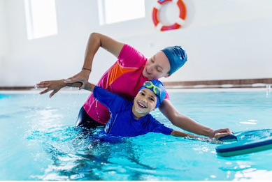 Mit Spiel und Spass schwimmen lernen