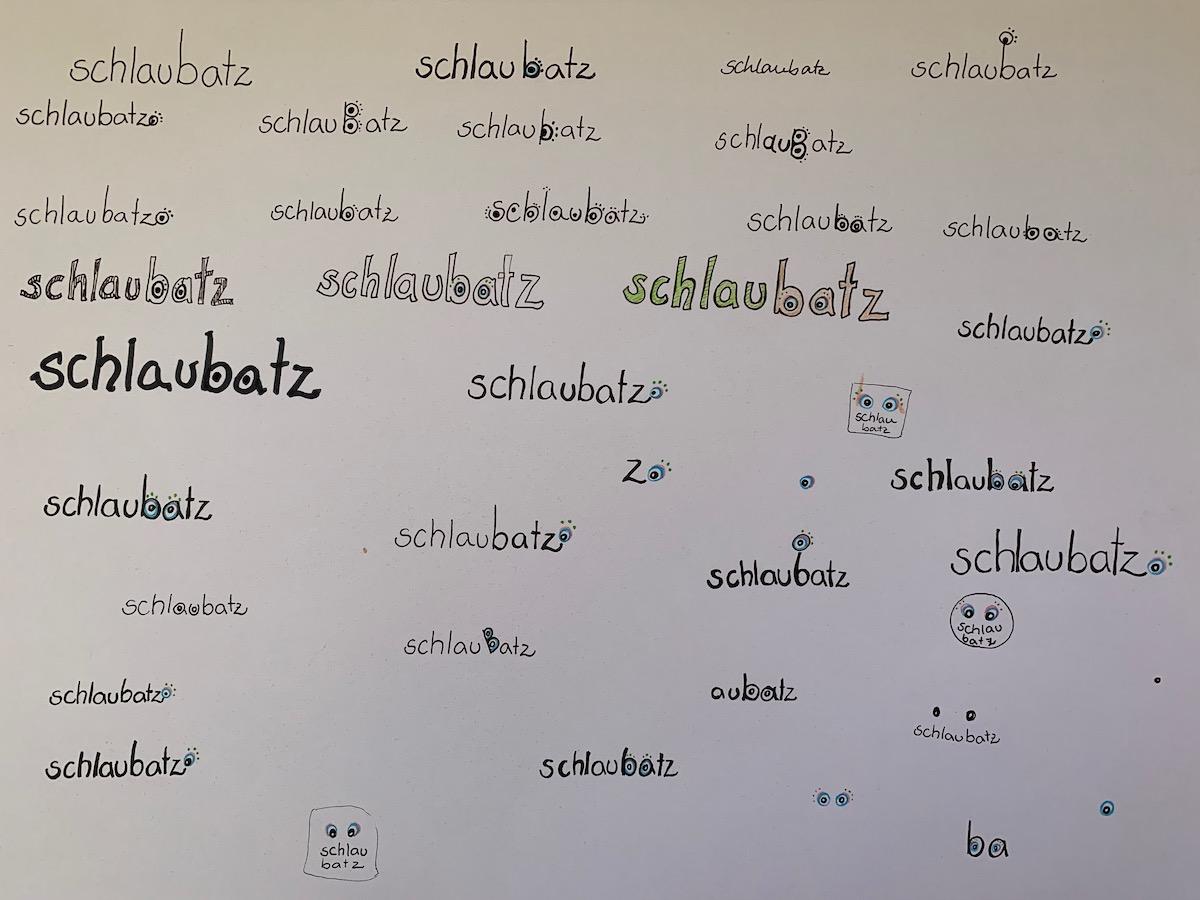 2018: Nachdenken über das Logo - der Grafikdesigner Jan Schimmagk (www.euphorium.eu) nimmt es schließlich in die Hand.