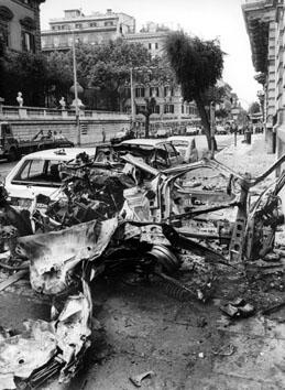 Roma, Giugno 1987 - Autobomba nei pressi dell'Ambasciata Americana