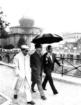 Roma, Novembre 1988 - Alexander Dubcek (Partito Comunista polacco) in giro per Roma