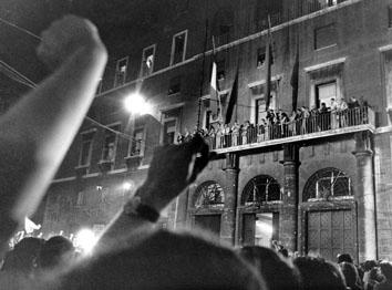 Roma, Giugno 1976 - Avanzata elettorale del Pci, Enrico Berlingur, festa a Botteghe Oscure